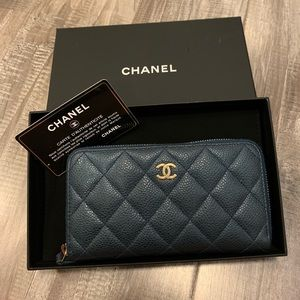 Chanel zip around wallet medium size!